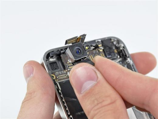 iPhone4-camera-inside-Reuters-iFixIt