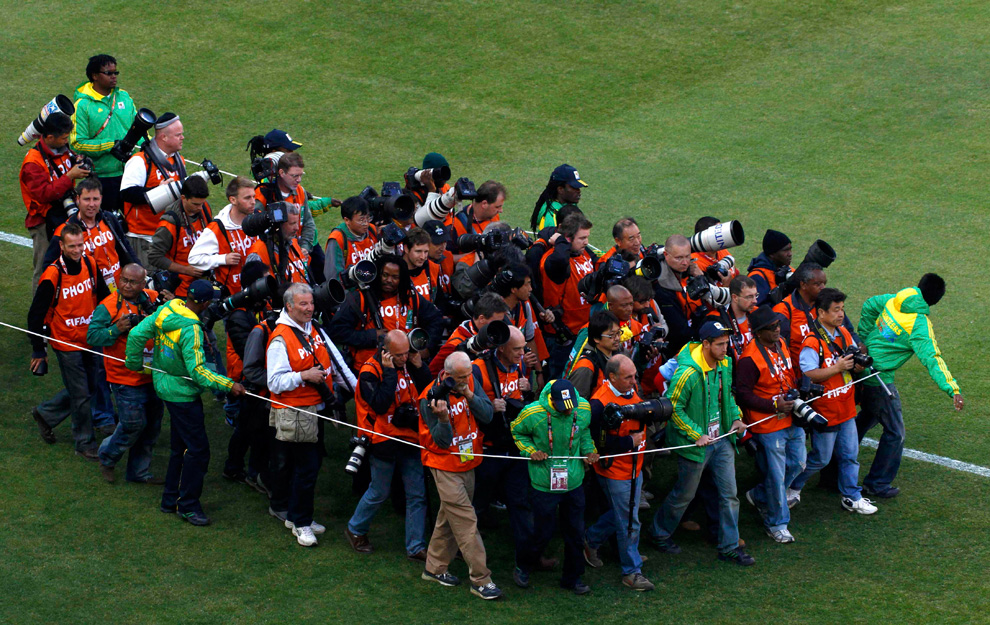 photographers-FIFA-world-cup-cattle-rope-David-Gray-Reuters