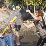 Fékevesztett vizi csata a Szabadság téren