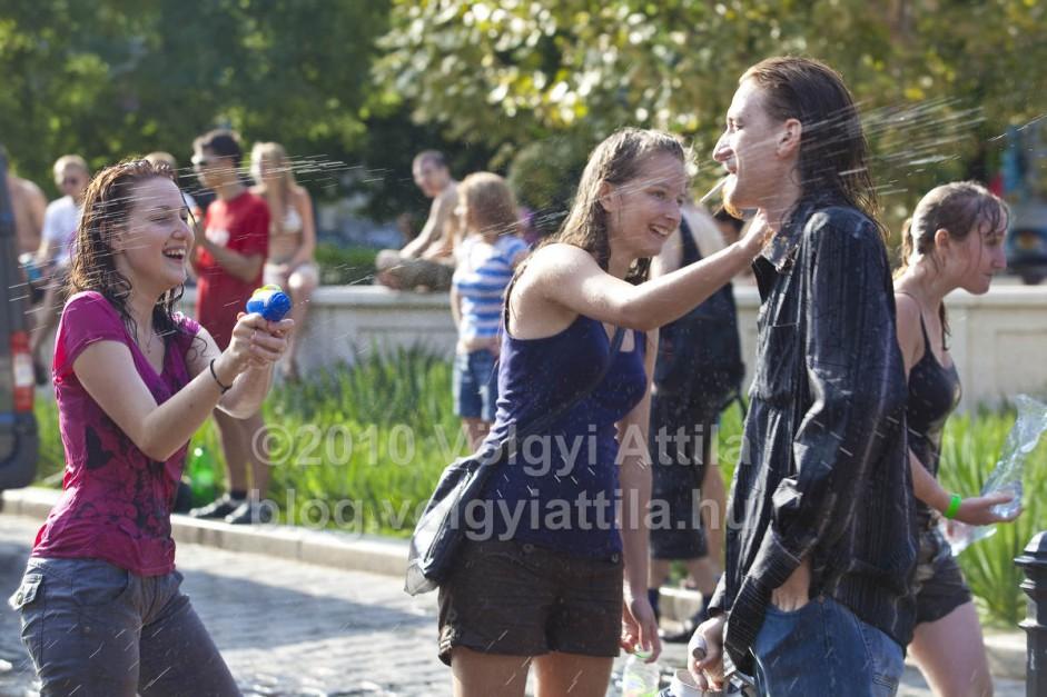 http://attilavolgyi.photoshelter.com/gallery/G0000niN0H3xURGA/C0000mwPCnEVAMSM
