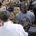 Obama első elnöki aláírása iPaden