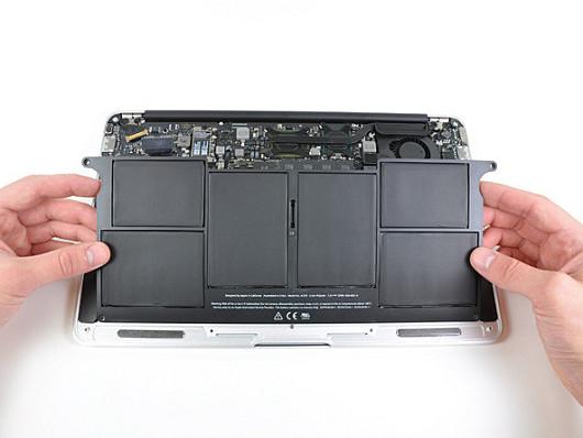 MacBookAir-battery-photo-ifixit
