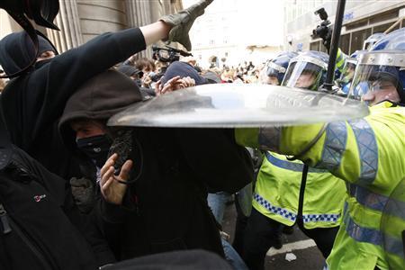 LondonG20clash-photo-AndrewWinning-Reuters