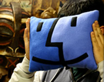 Finder pillow Picasso ihlette a Finder ikont?   minden zseni lop!
