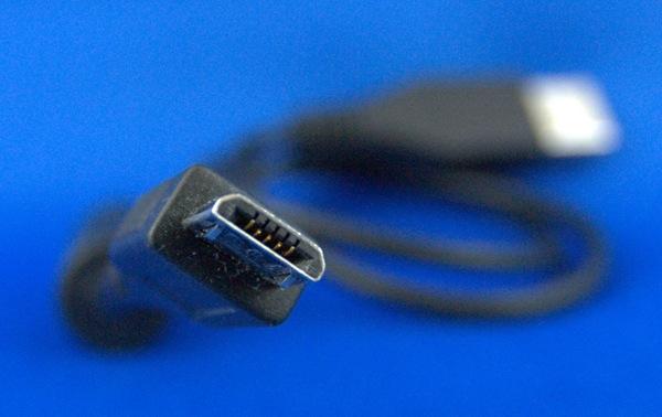 Micro_USB_Plug-photoWikimedia