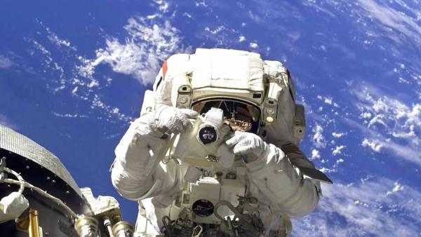 Astronaut-Nikon