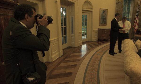 PeteSouza-photographing-Obama-OvalOffice-photoNationalGeographic