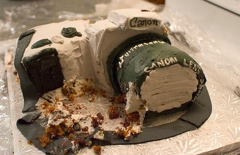 Canon-camera-cake-photoAdamPreble