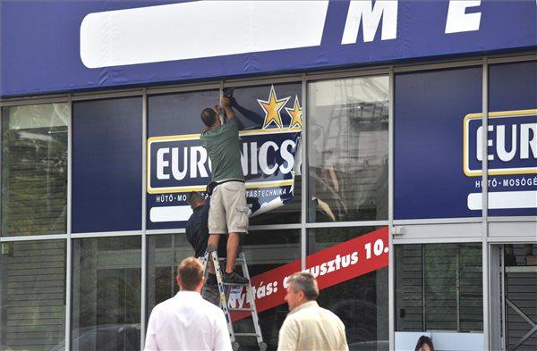 Euronics-Budaors-nyitas-photoMatheZoltanMTI