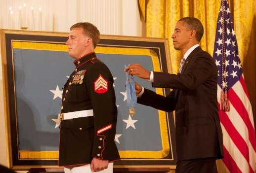 DakotaMeyer-Obama-MedalOfHonor-photoJoaoSilvaNYtimes