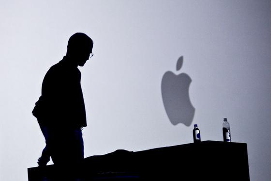 SteveJobs-silhouette-photoRyanAnsonAFP