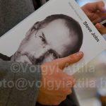 Már kapható magyarul a Steve Jobs könyv<br>karácsonyi ajándéknak sem utolsó
