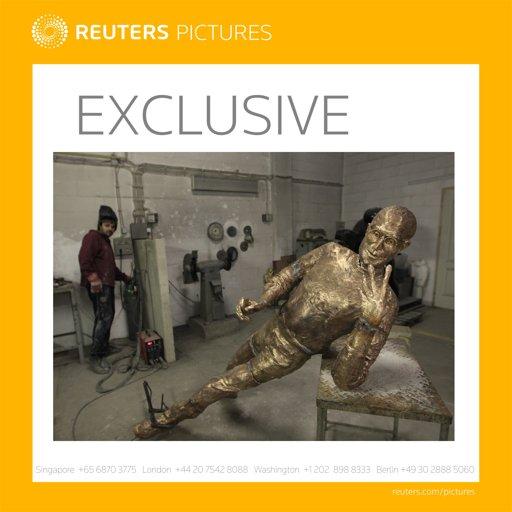 SteveJobs-sculpture-exclusiveAdvisory-Reuters