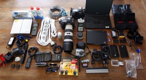 WarPhotographer-pack-cameraGear-photoUmitBektasReuters