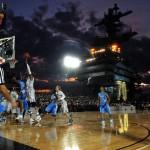 Kosárlabda meccs egy repülőgép-hordozón