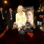 Ragyogó világsztár egy fakó piros budapesti szőnyegen<br>ilyen volt Helen Mirren magyar fogadtatása
