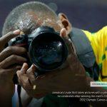 Usain Bolt fotósokat fényképezett az Olimpián