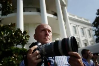 Photojournalists Reflect on Documenting Obama's Reelection Campaign - PetaPixel (angol)
