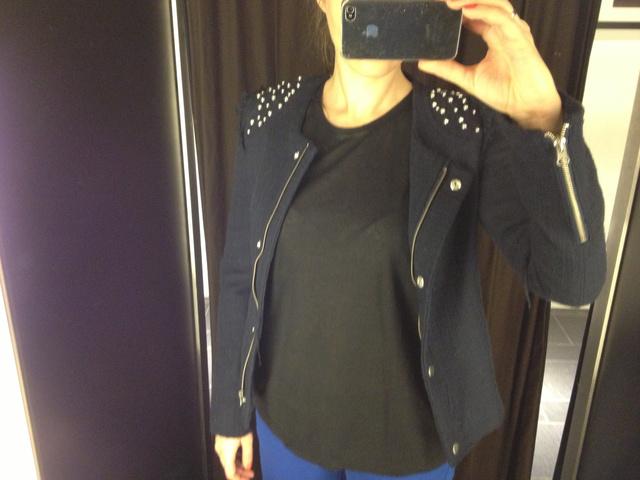 ChlothShp-mirror-selfphoto-DivanyHU