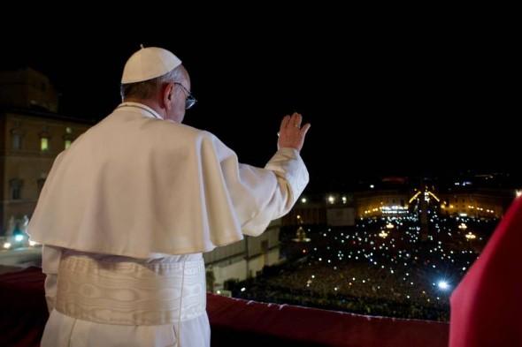 I. Ferenc pápa első áldása - Fotó: L'osservatore Romano/Reuters