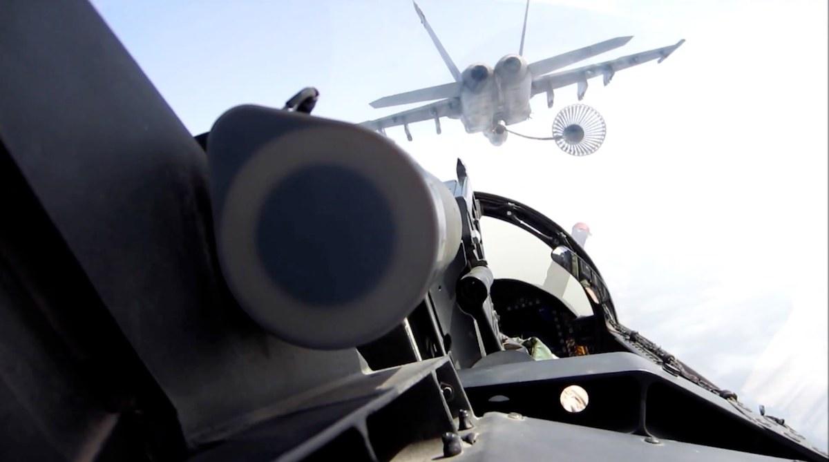 USfighterJet-airFuel-F18EF-USSSdwightDeisenhowerVideo