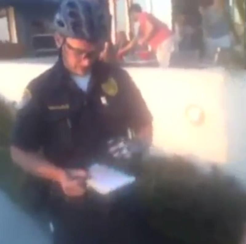 Fegyvernek látszó mobilért leteperte a rendőr - BitBlog (magyar)