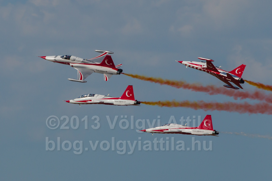 F-5 aircrafts of the Turkish Stars squadron from the Turkish Airforce