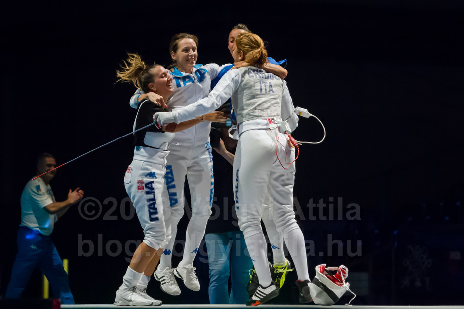 A győztes olasz párbajtőr csapat - Fotó: Völgyi Attila / blog.volgyiattila.hu
