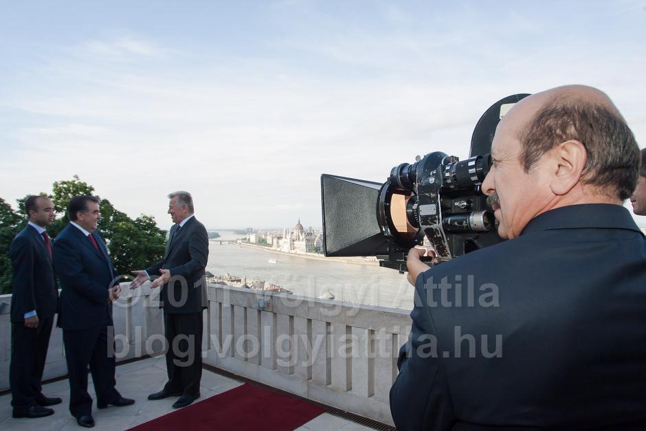 Tadzsik filmes stáb a Sándor Palotában / Fotó: Völgyi Attila / blog.volgyiattila.hu