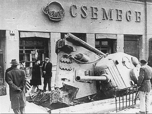 Tank baleset '56-ban Fotó: Dr. Szentpétery Tibor