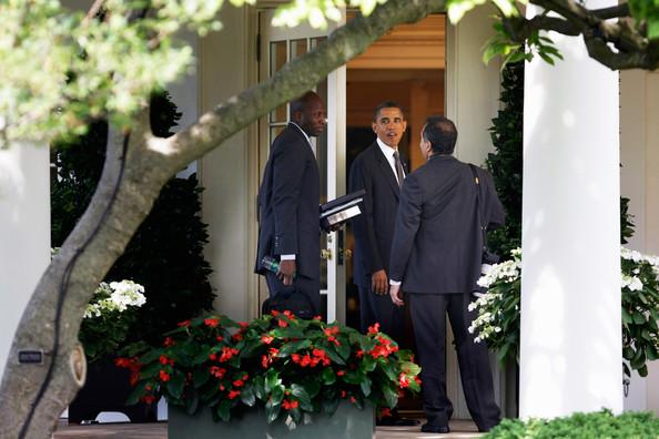 Házi fotósok egyeztetnek az elnökkeltalán épp azt, hogy milyen képek jelenjenek meg rólaFotó: Chip Somodevilla/Getty Images