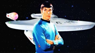 Mr. Spock és az EnterpriseKészítő ismeretlen