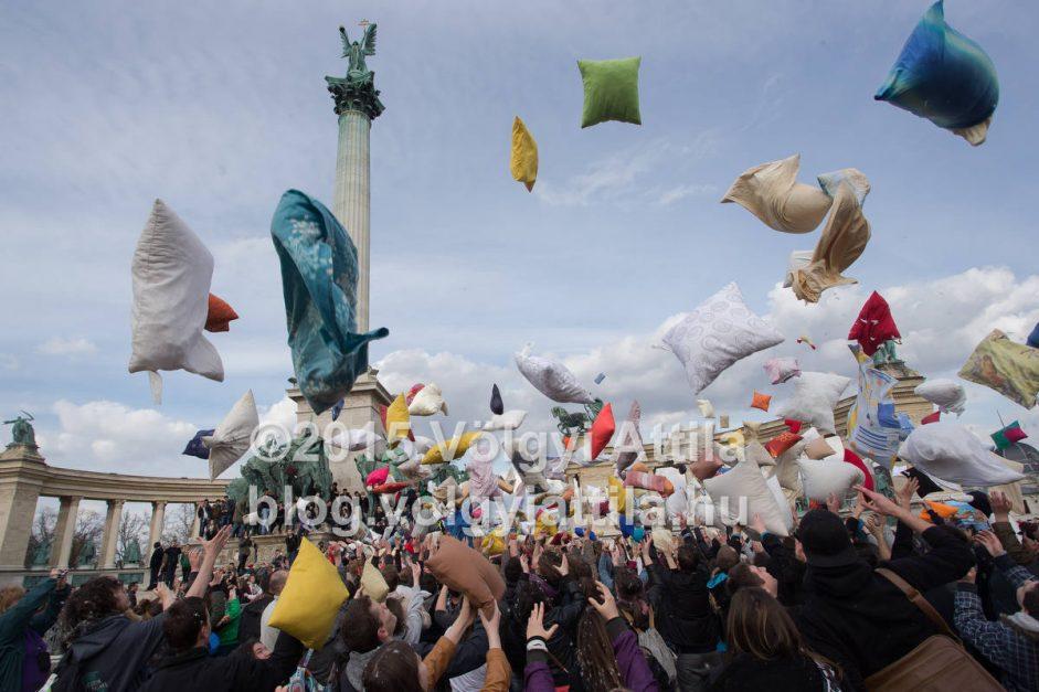 2015-ös párnacsata a Hősök terén