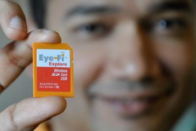 A WiFi modul elfér egy SD kártyában is - Fotó: Caroline/Flickr