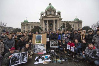 Fotós tüntetés a szerb parlament előttFotó: UFOS