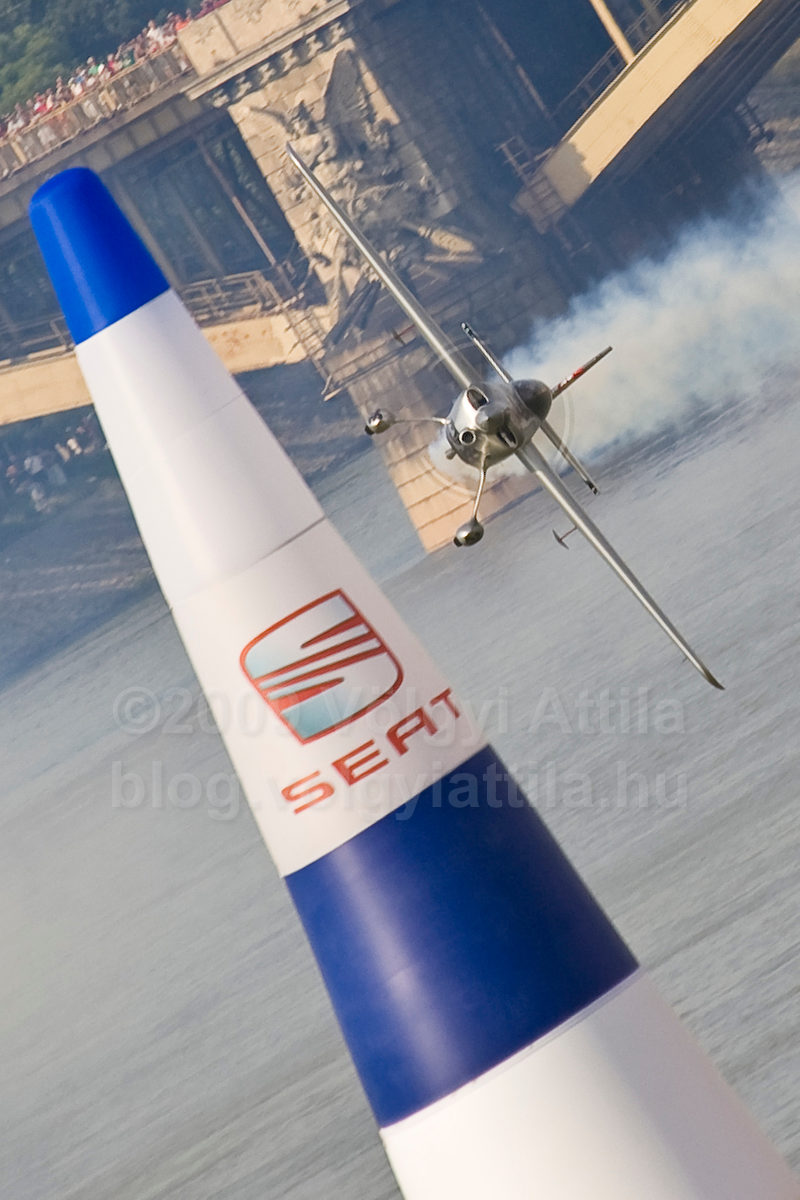 http://attilavolgyi.photoshelter.com/gallery/Red-Bull-Air-Race-2008/G0000ay_TOhlkVAE/C0000ElgmO1zejLUhttp://attilavolgyi.photoshelter.com/gallery/Red-Bull-Air-Race-2008/G0000ay_TOhlkVAE/C0000ElgmO1zejLU