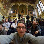 A nap sajtószelfije a Parlamentben